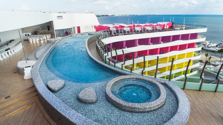 Temptation Resort Cancun 187 Onix Mosaico