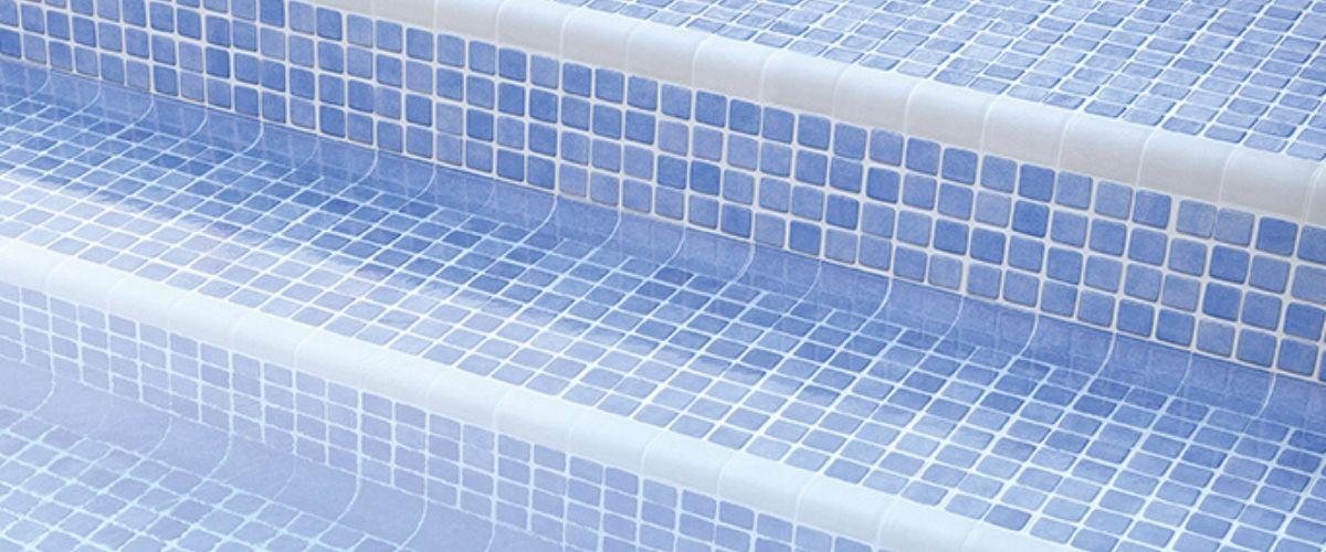 revestimiento de piscinas. cantos y esquinas